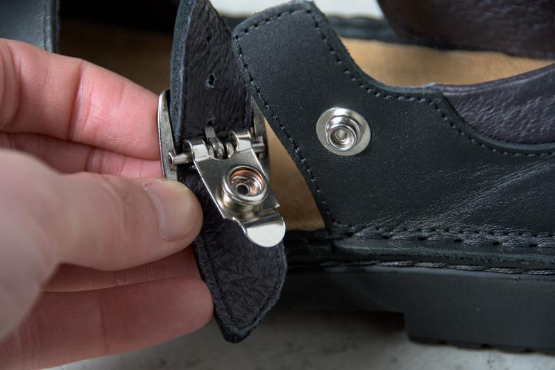 NAOTさんの靴 OLGA(オルガ) Matt Blackのスナップボタンの写真
