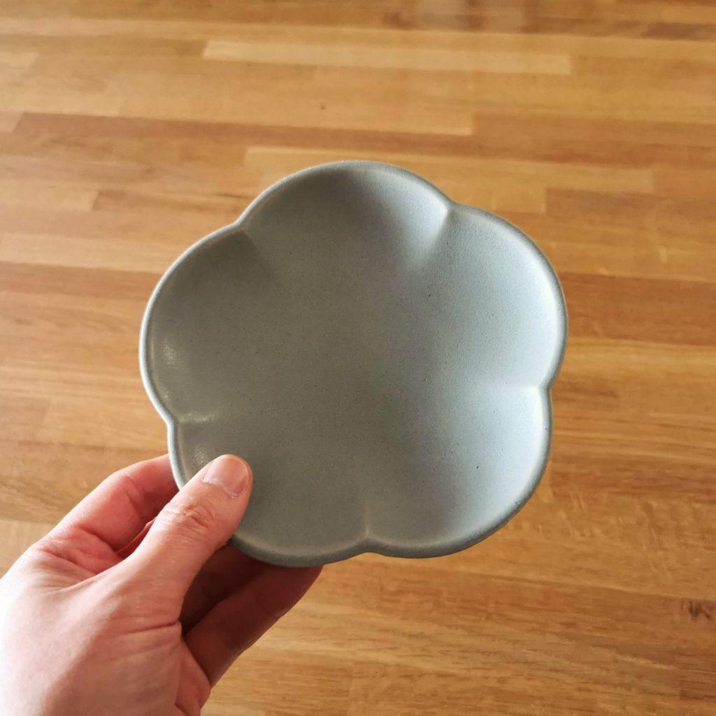 アワビウェア Awabiware 花型小皿 青マット|岡山の民芸の器と雑貨 FRANK